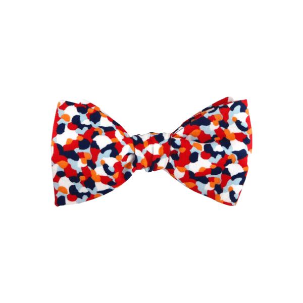 noeud papillon bleu blanc rouge à motif confettis Liberty, choix de nouage et de forme, ici A NOUER