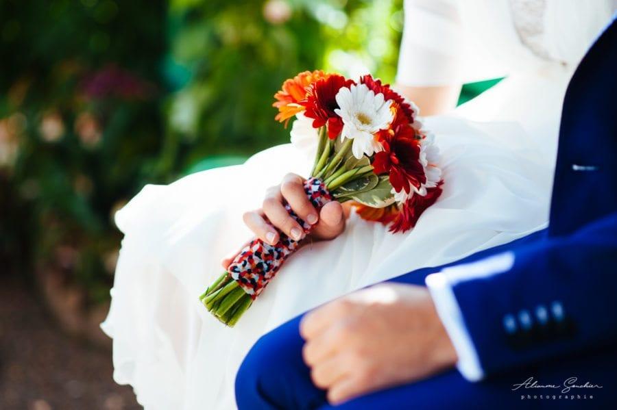 bouquet de mariée assorti noeud papillon mariage