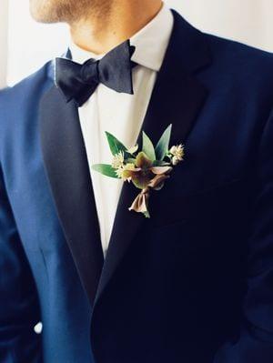 noeud papillon mariage costume bleu marine