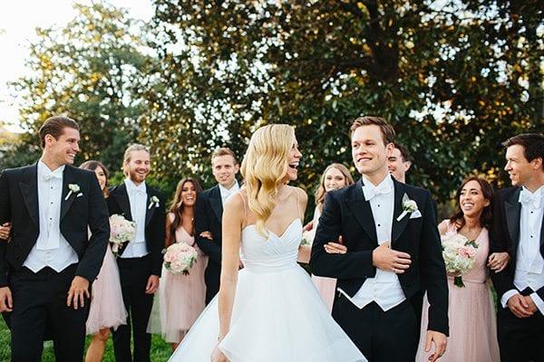 mariage avec noeud papillon blanc et smoking