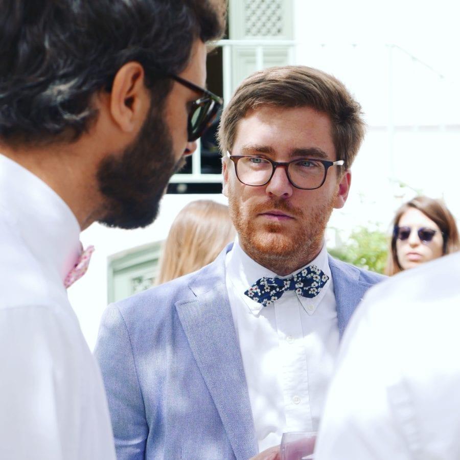 noeud papillon ou cravate pour une fete de famille